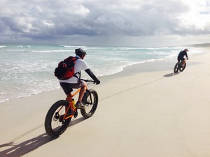 Cycle on the beach with a fat bike in Margaret River