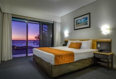 Book this 3 night package with breakfast staying at Sorrento Beach Resort Perth's beachfront accommodation