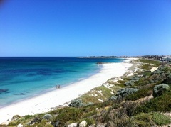 3 nights Sorrento Beach Resort + AQWA & Rottnest Island with Bike
