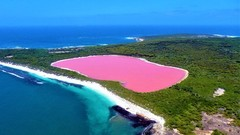 Pink Lake Hillier-Middle Island Scenic Flight