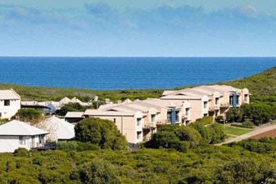 Book your winter holiday at this beachfront resort close to all the famous wineries