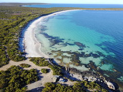 Food, wildlife and spectacular scenery on this Eyre Peninsula South Australia tour with Sightseeing Pass Australia.  Book today