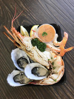 A popular tour in Adelaide for seafood lunch and shopping at the famous Adelaide Central Markets.  Do not miss booking this tour with Sightseeing Pass Australia today!